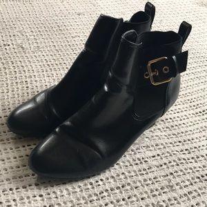 Dexflex Comfort Size 9 Gold Buckle Black Booties
